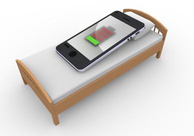携帯充電中